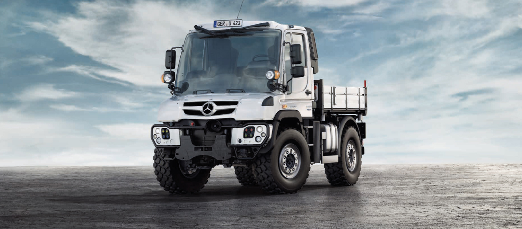 An image of the latest Mercedes-Benz Unimog UGE in white